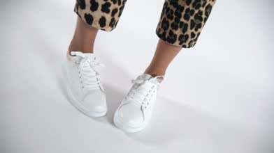 Womens White schuh Breezy Trainers   schuh